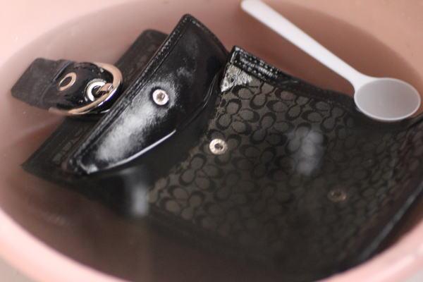 コーチ財布の水洗い