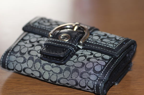 コーチ財布