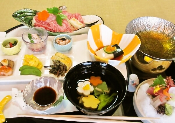 法要後の会食、御斉(おとき)