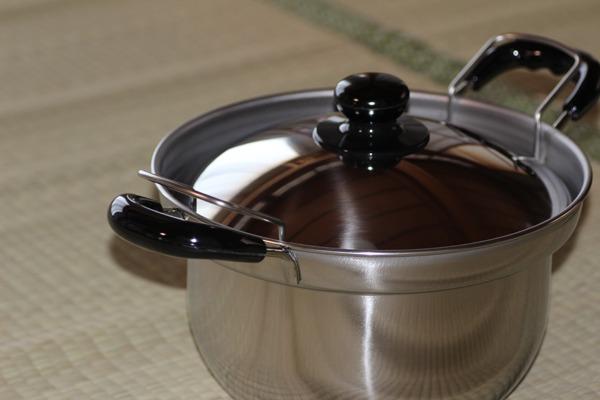 ふきこぼれにくい鍋