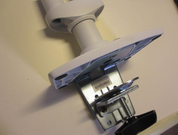 クランプ式のモニターアーム