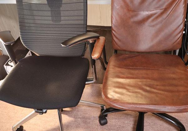 オカムラとNITORIの椅子