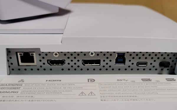 映像入力端子はUSB Type-C、DisplayPort、HDMIを搭載