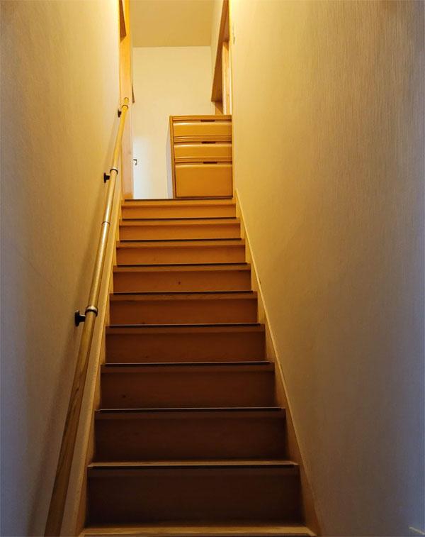 2階のタンス(引き出し)を1階に移動する
